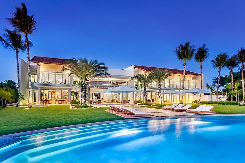 Villa Belvedere, Sleeps 18 - Image 1 - Altos Dechavon - rentals