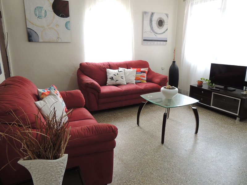 Condado Atlantis Apartment - up to 4 guests - Image 1 - Lamont - rentals