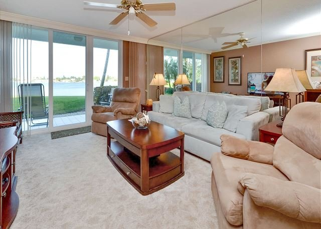 Bahia Vista 10-131 Bay Front with Beautiful New Kitchen and Furnishings! - Image 1 - Saint Petersburg - rentals