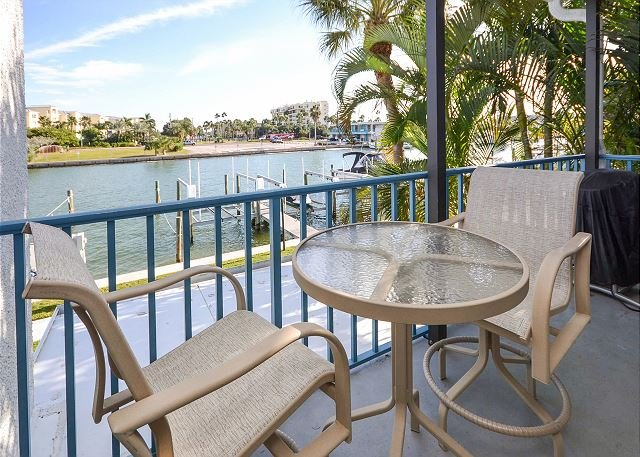 View from the Balcony - Madeira Beach Yacht Club 275E- 2 Bedroom Condo with Porch Overlooking the Bay - Madeira Beach - rentals