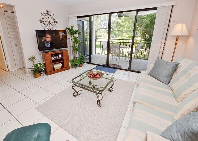 La Puerta 4-231 Isla Del Sol Golf Course View- Internet, W/D, Private Balcony - Image 1 - Saint Petersburg - rentals