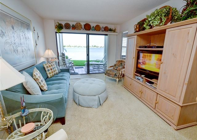 Casa Del Mar G-106- Private Ground Floor Patio with Amazing View of the Bay! - Image 1 - Saint Petersburg - rentals