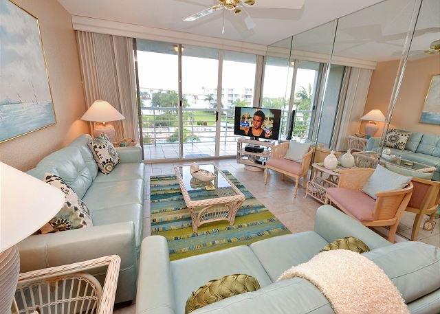 Bahia Vista 12-442 Beautiful Condo with Amazing Views and Large Balcony! - Image 1 - Saint Petersburg - rentals