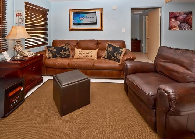 Living Room - Sea Rocket #0 - Totally Renovated, Ground Floor 1 BR with Flat Screen TVs! - North Redington Beach - rentals