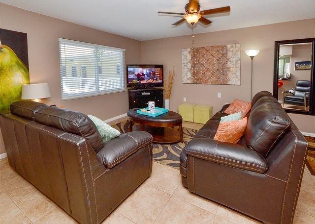 "Living room - Waves 20 - New Tile Floors, Fresh Paint, Leather Furniture & 46"" Flatscreen! - Saint Pete Beach - rentals"