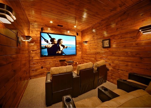 Luxury 3 Bedroom Gatlinburg Cabin with Home Theater Room and Sauna Room - Image 1 - Gatlinburg - rentals