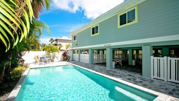 Pool 1 - THE PALMS 3 - Holmes Beach - rentals