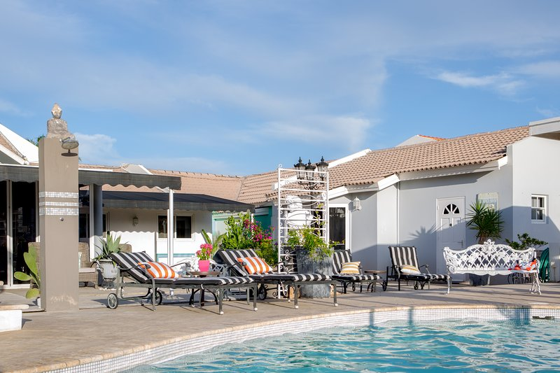 Outside View Of pool Apt  - Poolside Apt-2 bed 2bath-kitchen-Walk to the Beach - Noord - rentals