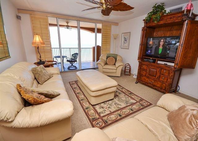 Luxury Living Room  - La Contessa 503 - Fabulous 3 Bedroom Gulf Front Penthouse on Redington Beach! - Redington Beach - rentals