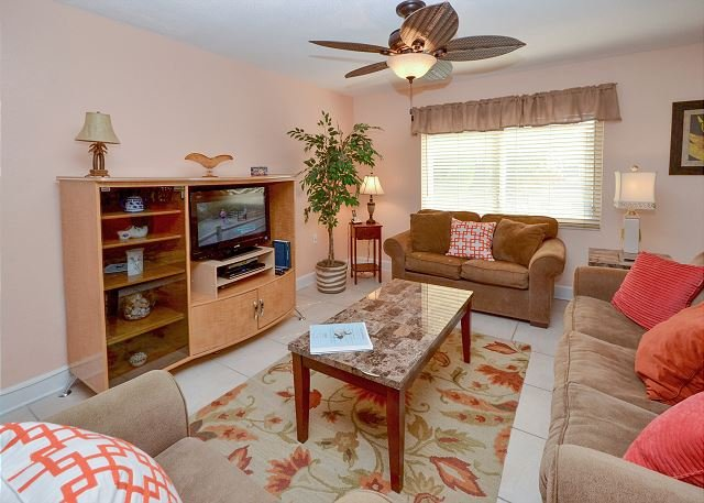 Waves 10 -Large 2nd Floor Condo with New Furnishings, Flatscreen TV's and W/D - Image 1 - Saint Pete Beach - rentals
