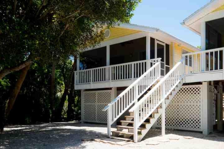 746 Cardium Street - Unit 1 - with Screened Balcony - 746 Cardium Street - Cottage 1 - Newly Redecorated! New to Market, Prime Season Dates Available! - Sanibel Island - rentals