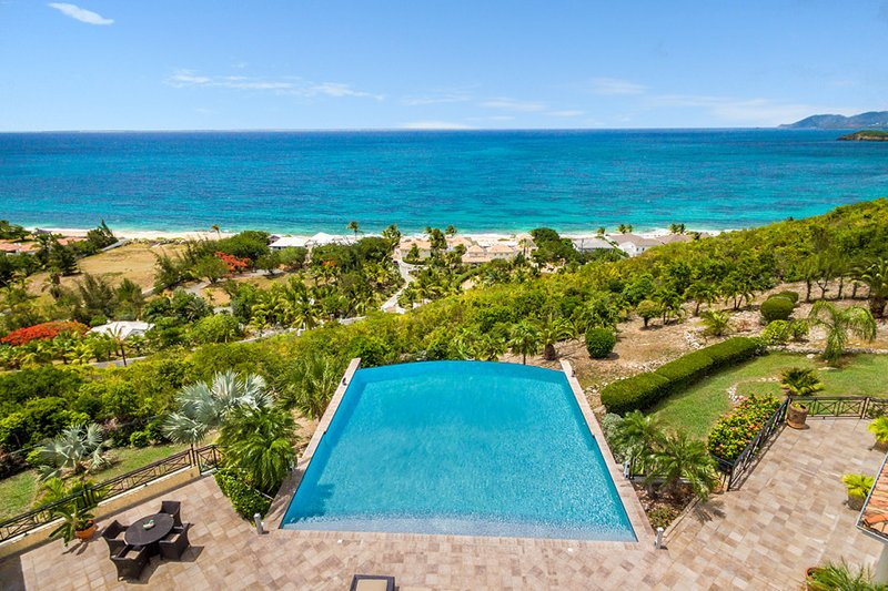 Villa Amber, 4BR vacation rental in Terres Basses, St Martin 800 480 8555 - AMBER... a gorgeous, fully air-conditioned villa with a huge heated pool and wonderful views! - Baie Rouge - rentals