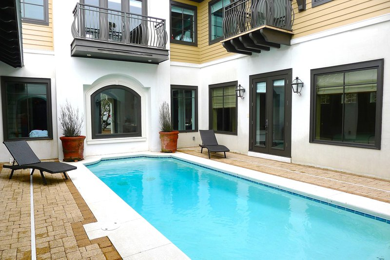 Starfish offers a 30' x 20' Private Heated Pool with plenty of lounging space - STARFISH - Rosemary Beach - rentals