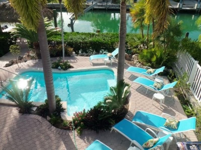 P34 Exquisite and spacious 4 bdm private pool home - Image 1 - Key Colony Beach - rentals