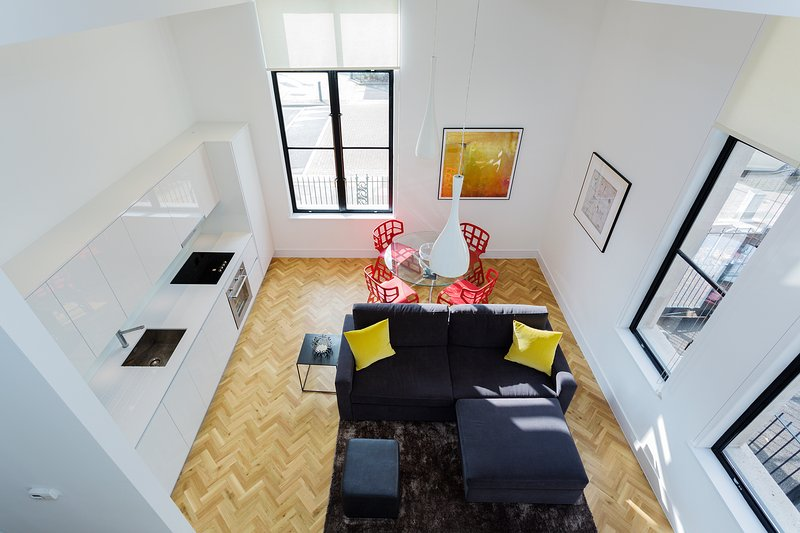 Located just south of the Thames River in Southwark: a brand new stylish 2 bedroom apartment! - Image 1 - London - rentals