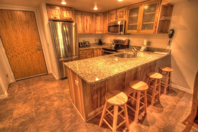 """SkyRun.com Property - """"CM216S Copper Mtn Inn Studio"""" - Kitchen  - There are 4 additional seats at the breakfast bar. - CM216S Copper Mtn Inn Studio - Copper Mountain - rentals"""