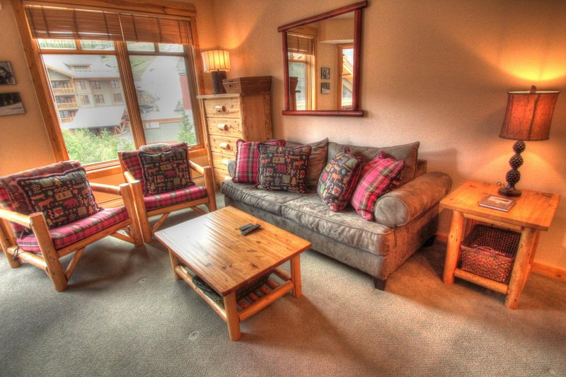 "SkyRun Property - ""TM407BR1 Tucker Mtn Lodge"" - Living Room - The living room is spacious and comfortable. - TM407BR1 Tucker Mtn Lodge - Copper Mountain - rentals"