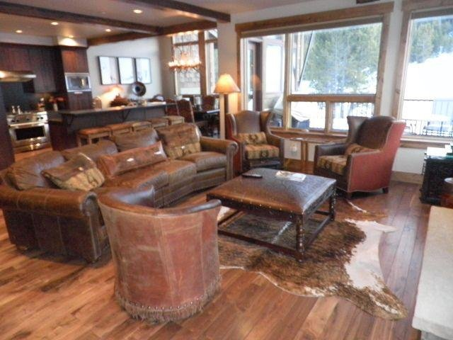 """SkyRun Property - """"LR960 The Alpine at Lewis Ranch"""" - Main Floor Great Room - LR960 The Alpine at Lewis Ranch - Copper Mountain - rentals"""
