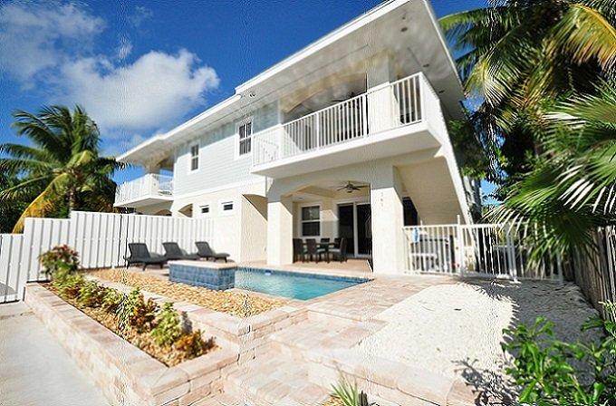 P67 Brand new construction 3 bdm duplex! - Image 1 - Key Colony Beach - rentals