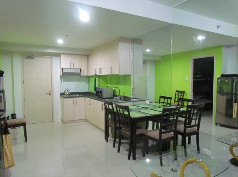 Kitchen and dining area. - Condo Across Mall of Asia, Pasay City, Manila - Manila - rentals