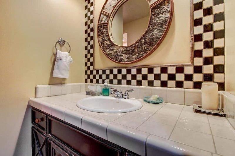 Home for 10 w/ private hot tub; loft; ski shuttle access - Image 1 - Park City - rentals