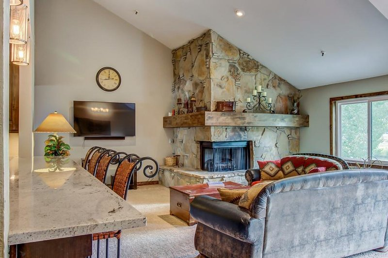 Large and spacious condo w/ private hot tub & balcony; video games - Image 1 - Park City - rentals