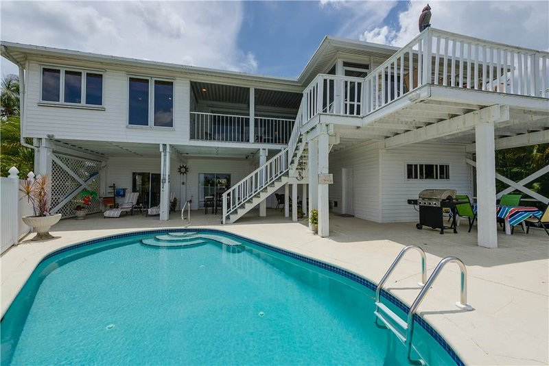 Lagoon Beach House, 3 Bedrooms, Walk to Gulf, Private Pool, Sleeps 6 - Image 1 - Fort Myers Beach - rentals