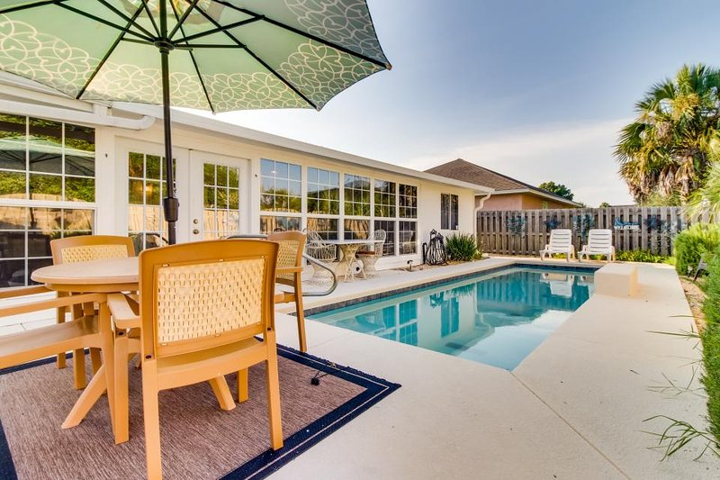 Charming Vintage ocean home, w/private pool & great location - walk to beach - Image 1 - Panama City Beach - rentals