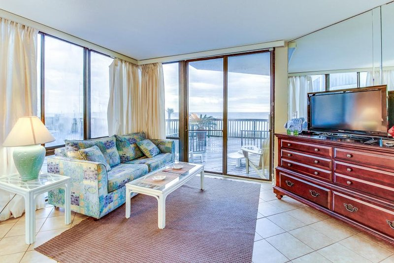Charming Gulf-front condo with shared pool, tennis, easy beach access - Image 1 - Panama City Beach - rentals
