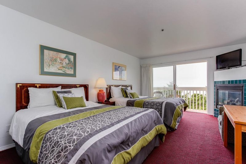 Dog-friendly studio w/ awesome ocean views, easy beach access! - Image 1 - Lincoln City - rentals
