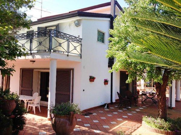 4 bedroom Villa in Sant'agnello, Campania, Italy : ref 2269902 - Image 1 - Sant'Agnello - rentals
