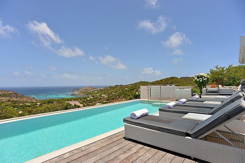 Villa Iris, Sleeps 4 - Image 1 - Grand Cul-de-Sac - rentals