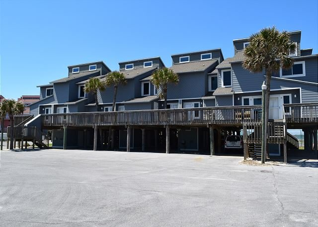Unit 12 is located close to the entrance, making it a quick walk to the gulf or sound. - San De Luna #12 - Pensacola Beach - rentals