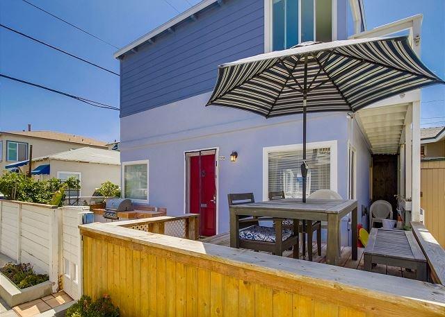 709 Whiting Court  - Splendid oceanview getaway- kitchen, 1 parking space, near the beach - Pacific Beach - rentals