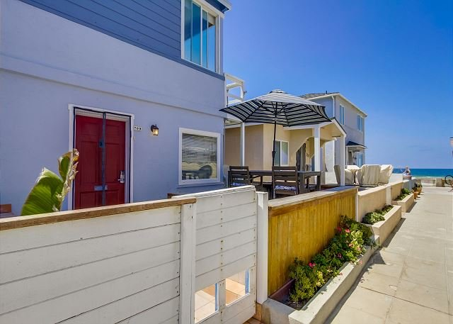 Walk Way To Ocean - Splendid oceanview getaway- kitchen, 1 parking space, near the beach - Pacific Beach - rentals