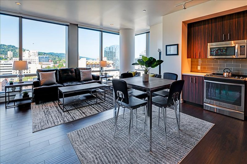 Stay Alfred Gorgeous High-rise Vacation Rental Overlooking Downtown Portland PW1 - Image 1 - Portland - rentals