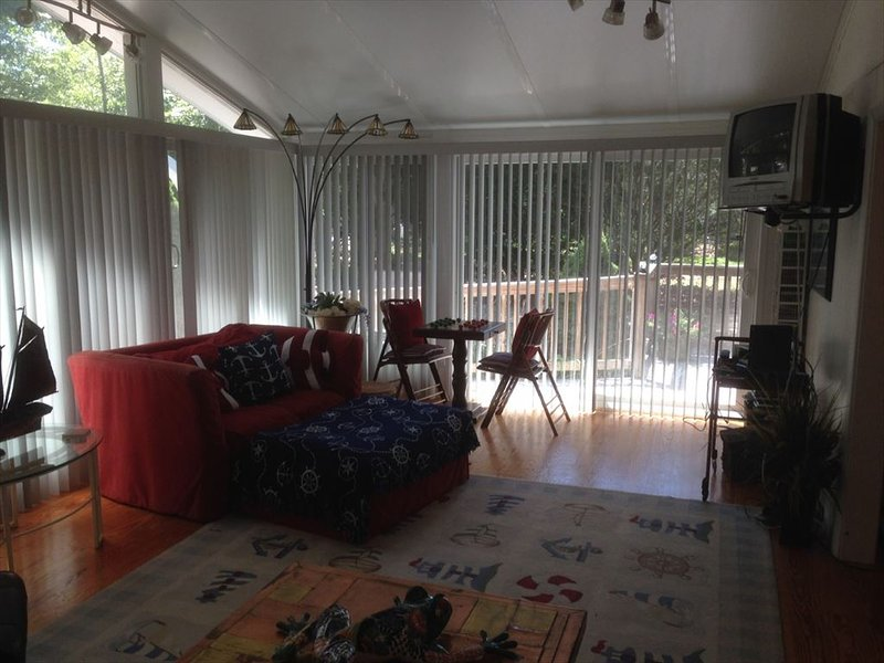 Living room - 1/2 mile to Menauhant Beach, LG DECK, DOGS YES 132199 - East Falmouth - rentals