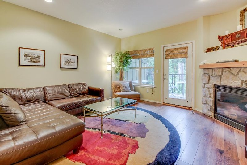 Dog-friendly, upscale condo with pool & hot tub access! - Image 1 - Government Camp - rentals