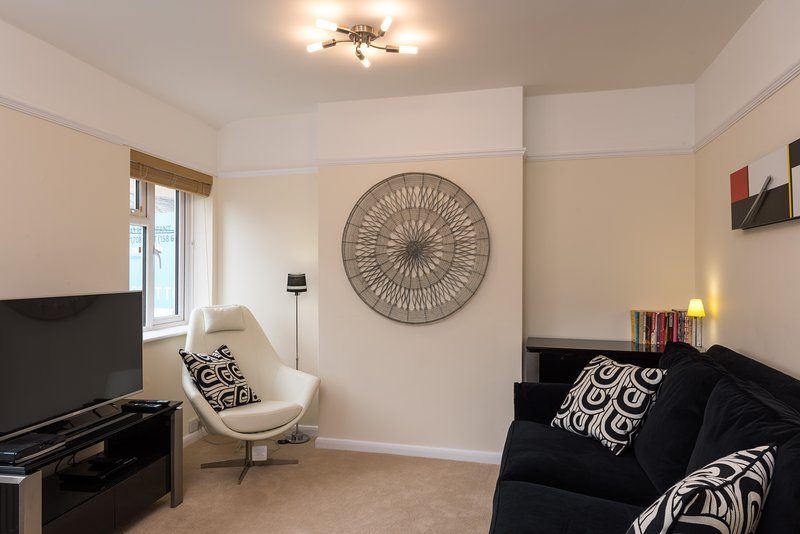 Lounge - Luxury holiday flat close to the centre of Oxford - Oxford - rentals