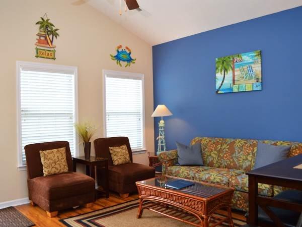 Charming 2 Bedroom Gulfstream Cottage, Short Walk to the Beach - Image 1 - Myrtle Beach - rentals
