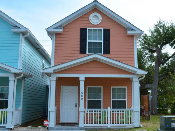 Family friendly townhouse, walk to beach, full kitchen, picnic table, + location - Image 1 - Myrtle Beach - rentals