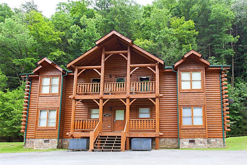 Creekside Lodge - Image 1 - Gatlinburg - rentals