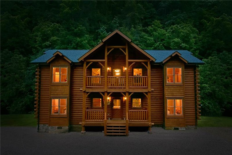 Rushing Water Lodge - Image 1 - Gatlinburg - rentals