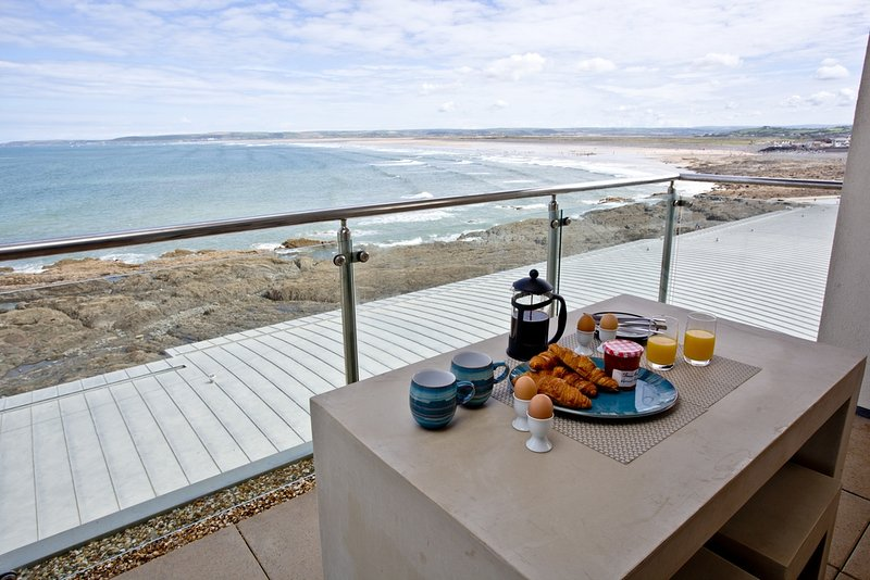The Penthouse Bay View, Nassau Court located in Westward Ho!, Devon - Image 1 - Westward Ho - rentals