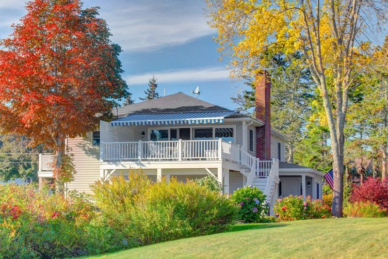 Oceanfront contemporary home with stunning island and lighthouse views - Image 1 - Southport - rentals