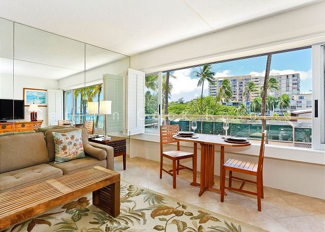 Diamond Head/Gold Coast Beauty - Beachfront Property - Image 1 - Waikiki - rentals
