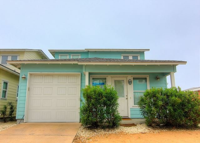 Super Cute Casita offer 3 bedroom / 2 baths and 2 community pools! - Image 1 - Port Aransas - rentals