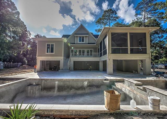 4 Fox Grape - Amazing 6 bedroom home close to the beach! - Image 1 - Hilton Head - rentals