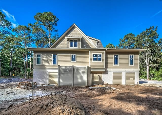 4 Fox Grape - Amazing 6 bedroom home close to the beach! - Image 1 - Hilton Head - rentals