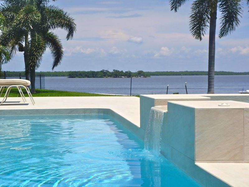 Modern luxury home, huge pool w/ south exposure - Image 1 - Marco Island - rentals